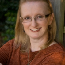 Interview (& Giveaway): Lisa Shearin, author of All Spell Breaks Loose