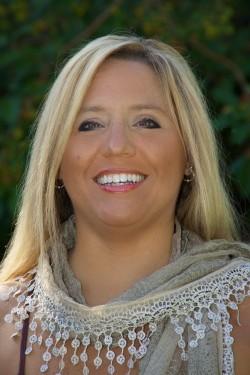 Betsy Dornbusch Face Shot (2)